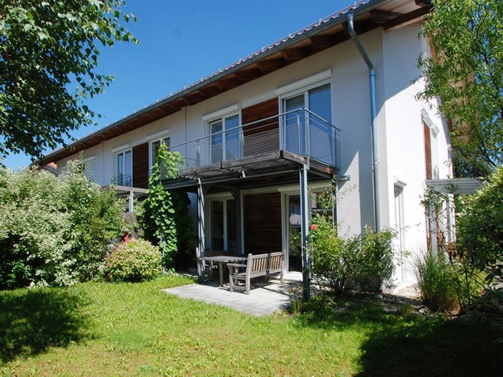 Doppel- und Reihenhäuser am Grünwalder Forst in 82041 Deisenhofen