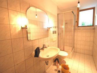 3-Zimmer-Erdgeschoss-Wohnung mit Gartennutzung in guter Lage von Oberhaching