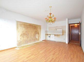 Renovierungsbedürftiges 1-Zimmer-Apartment im Herzen von Deisenhofen