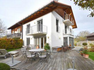 Moderne und luxuriöse Doppelhaushälfte in sehr guter Lage mit Süd-West Garten in Deisenhofen