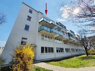 Attraktive 1-Zimmer-Dachgeschosswohnung mit Dachterrasse im Herzen von Pasing