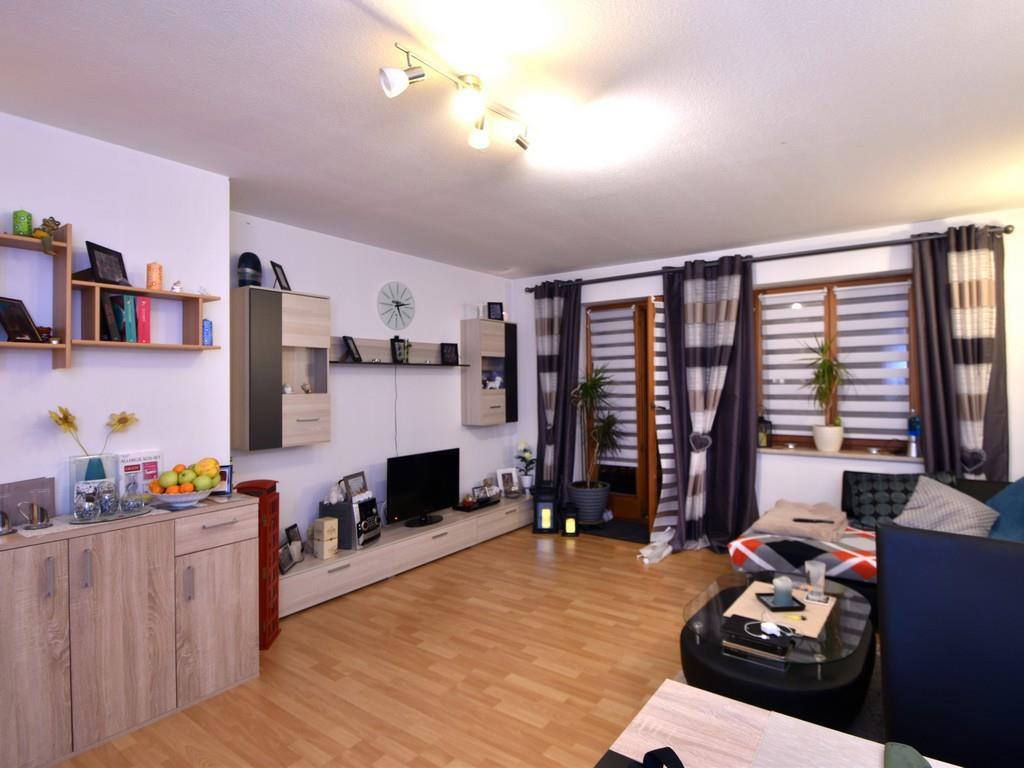 Geräumige 2-Zimmer-Wohnung mit schönem Süd-Ost-Balkon in Holzkirchen