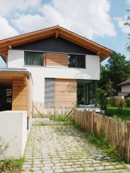 Freistehendes Einfamilien- und Doppelhaus in Bestlage von Deisenhofen