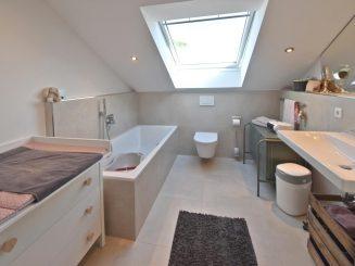 Moderne und helle 3-Zimmer-Dachgeschosswohnung in Oberhaching
