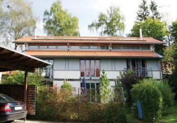 Zwei charmante Dreispänner in ruhiger Lage in 82041 Oberhaching
