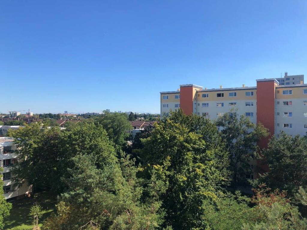 Renovierungsbedürftige 1-Zimmer-Wohnung mit Fernblick in München/Feldmoching-Hasenbergl