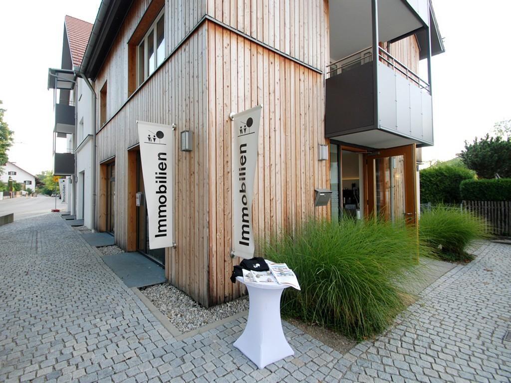 Wohn- und Geschäftsgebäude im Zentrum von Deisenhofen